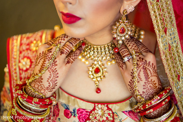 bridal jewelry,indian wedding photography,indian bride