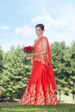 indian bride fashion,red lengha,bridal bouquet