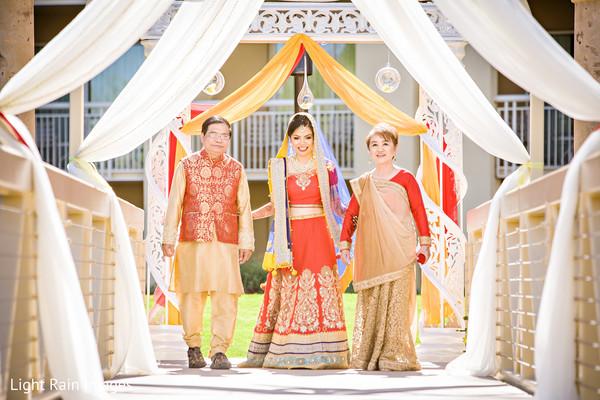 indian wedding ceremony,indian bride lengha,indian bride ceremony fashion