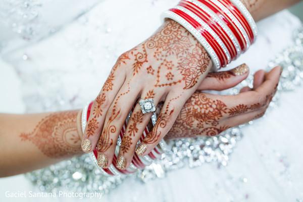bride bangles,bridal jewelry,mehndi,mehndi art