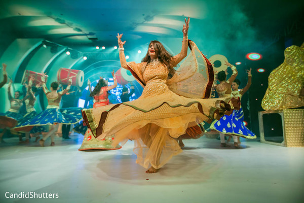 Marvelous sangeet dance performance