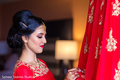 getting ready,indian bride,indian bride hair and makeup,lengha