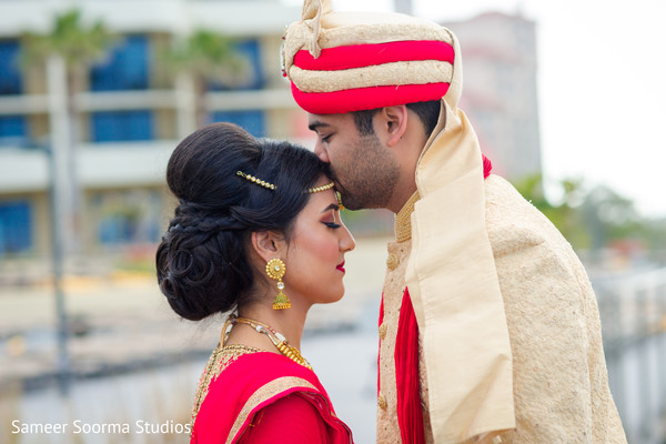 indian groom,indian bride,first look,indian wedding photography