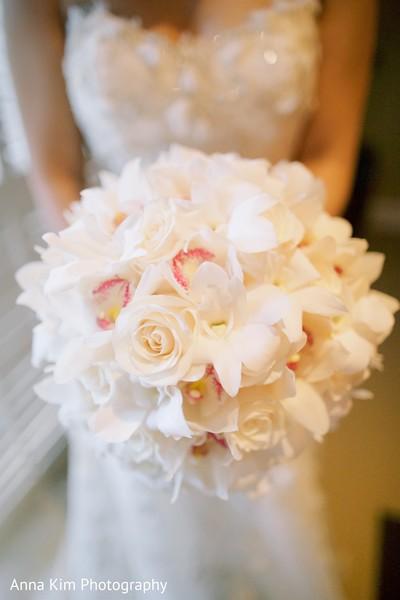 indian bridal bouquet,indian bride fashion