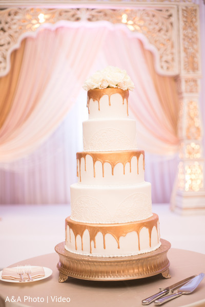 indian wedding reception,floral and decor,wedding cake