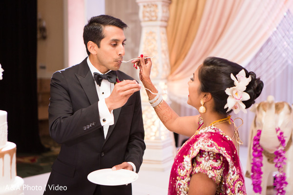 indian wedding reception,indian bride and groom,wedding cake