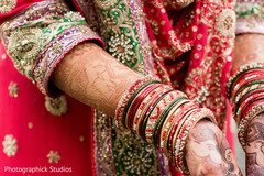 indian bride,bridal jewelry,indian wedding photography,mehndi