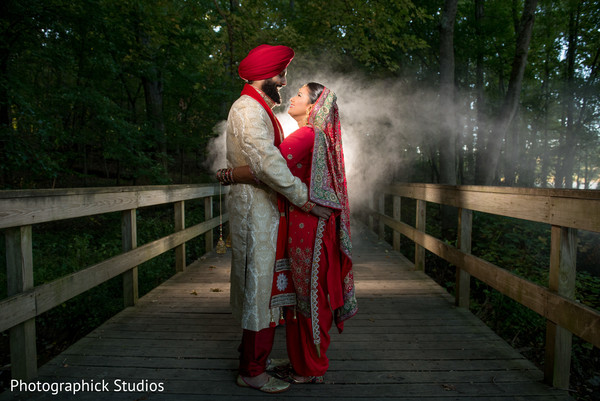 sikh indian bride and groom,indian wedding photography,outdoor photography