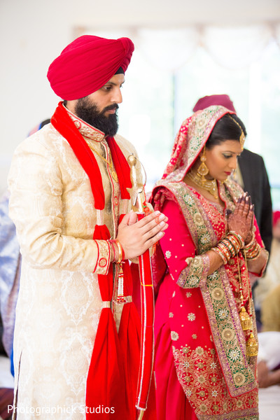 sikh indian bride and groom,sikh wedding ceremony,indian wedding photography