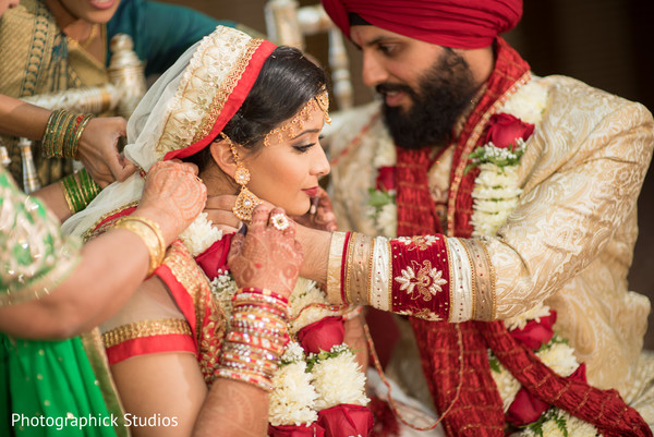 indian wedding ceremony,indian wedding photography,indian bride and groom,mangalasutra