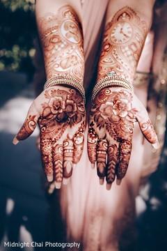 indian bride,indian bridal mehndi,henna,bridal mehndi