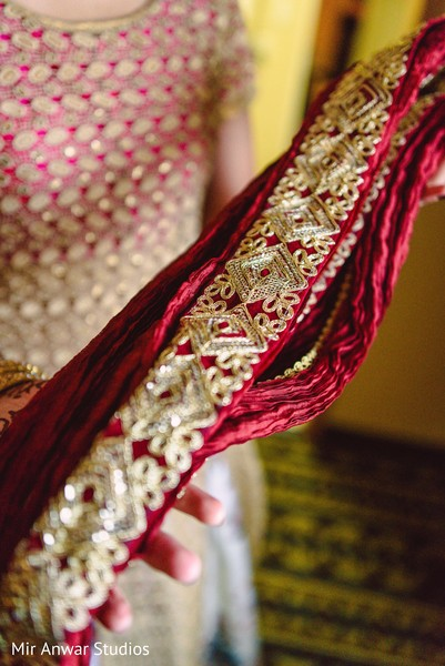 Indian groom's outfit accessories
