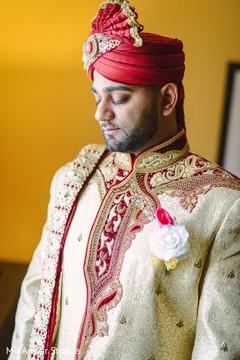 indian groom turban,indian groom sherwani,boutonniere