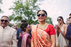 bridal jewelry,bridal tikka,indian bride fashion,milni ceremony