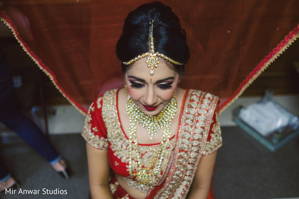 bridal jewelry,indian bride getting ready,indian bride hair and makeup