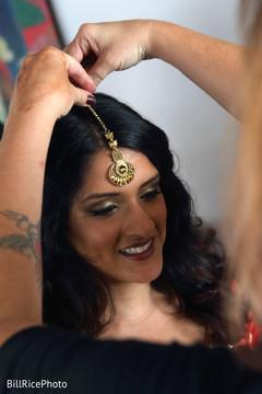 bridal jewelry,indian bride jewelry,tikka,getting ready
