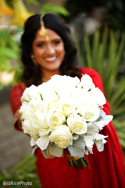 bridal bouquet,white indian bridal bouquet