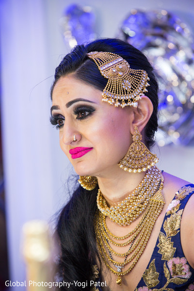 indian bride reception fashion,bridal jewelry,indian bridal makeup