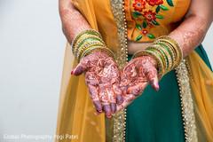 bridal jewelry,indian bridal mehndi,indian bride,henna
