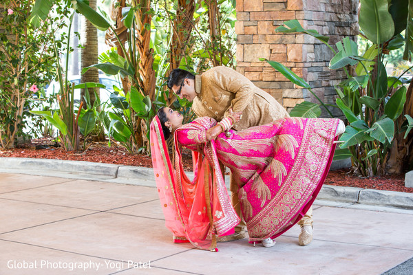 indian bride and groom,ceremony fashion,indian wedding photography