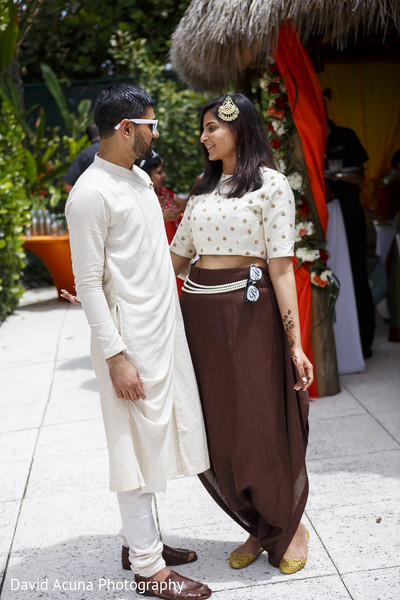 indian bride,groom,pre-wedding fashion
