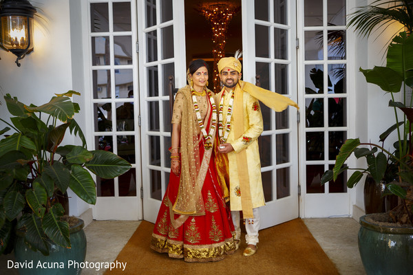 indian groom,indian bride,indian wedding ceremony,portrait