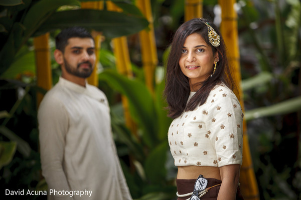 indian groom,indian bride,pre-wedding fashion,portrait