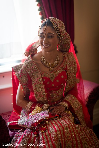 indian bride lengha,indian bride getting ready,bridal jewelry