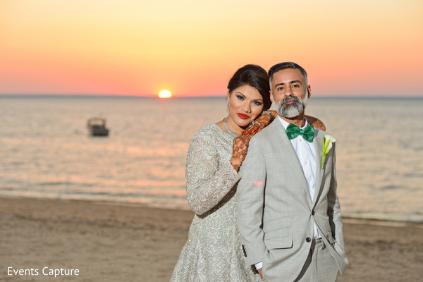 indian wedding photography,indian bride and groom,ocean side wedding photo