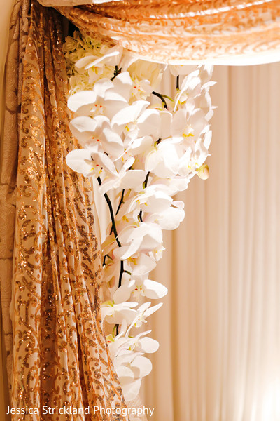 Stunning indian wedding ceremony floral decor
