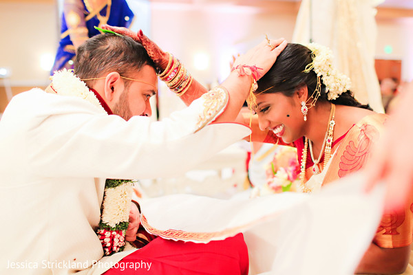 indian wedding ceremony,indian bride and groom,bridal jewelry