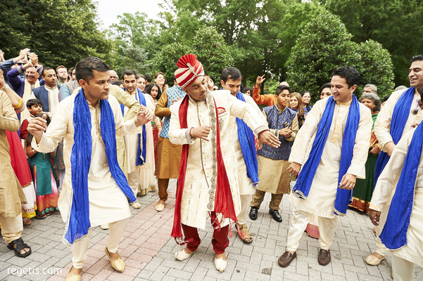 milni ceremony,indian wedding ceremony,indian groomsmen fashion,indian groom fashion