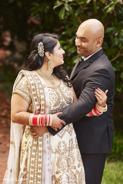 indian bride and groom,indian groom suit,outdoor photography,bridal jewelry