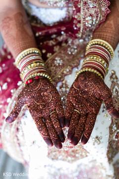 henna,indian bride mehndi,bangles