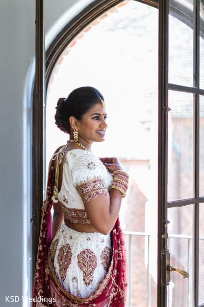 Perfect Indian bride wedding ceremony look.