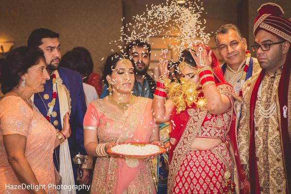 indian bride and groom,indian wedding photography,vidaai