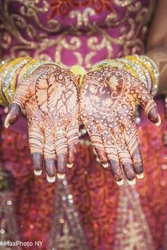 indian bridal mehndi,bridal mehndi,maharani's bridal bangles.