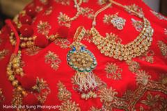 indian bridal fashion,bride jewelry set photography