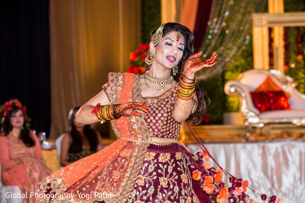 indian wedding reception,indian wedding reception performers,indian bride reception fashion,bridal jewelry