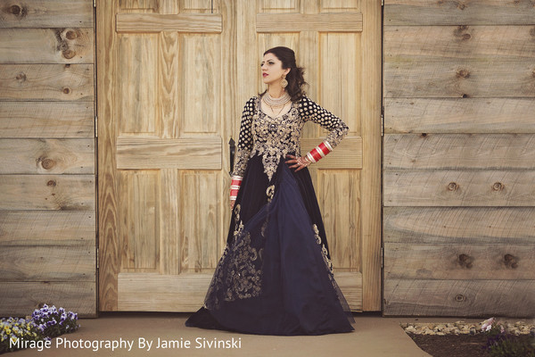outdoor photography,indian bride,indian bride fashion,indian bridal jewelry
