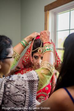 bridal jewelry,indian bride fashion,indian bride getting ready