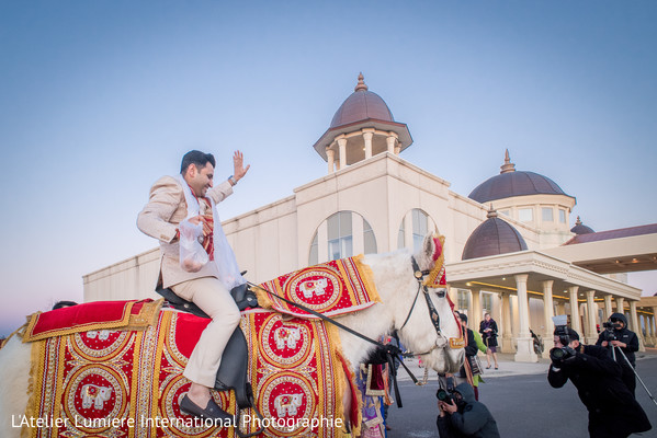indian groom fashion,baraat,indian wedding baraat,baraat horse