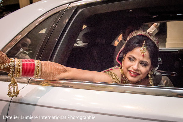 indian wedding ceremony,indian bride fashion,bridal jewelry,vidaai