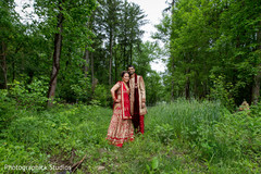 indian groom,indian bride,indian wedding photography,outdoor photography