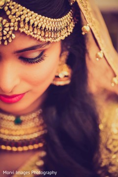 bridal tikka,bridal jewelry,indian bridal makeup