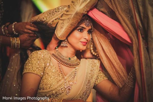 indian wedding ceremony,indian bride fashion,bridal jewelry,mangalasutra ritual