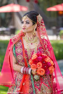 indian bride fashion,bridal jewelry,maharani's bridal bangles,indian bridal bouquet