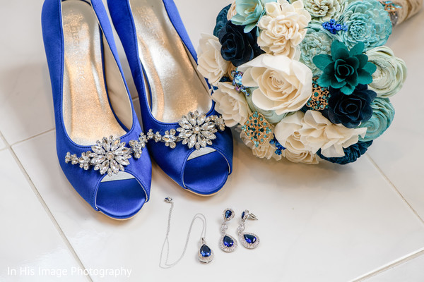 blue bridal shoes,bridal shoes,bridal fashion,bridal jewelry,bridal bouquet