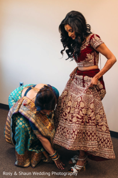 indian bride,lengha,getting ready,bridal shoes