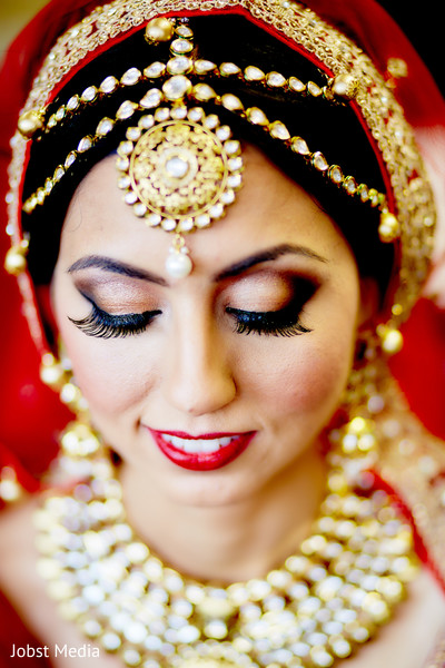 indian bride,indian bride jewelry,indian bride makeup